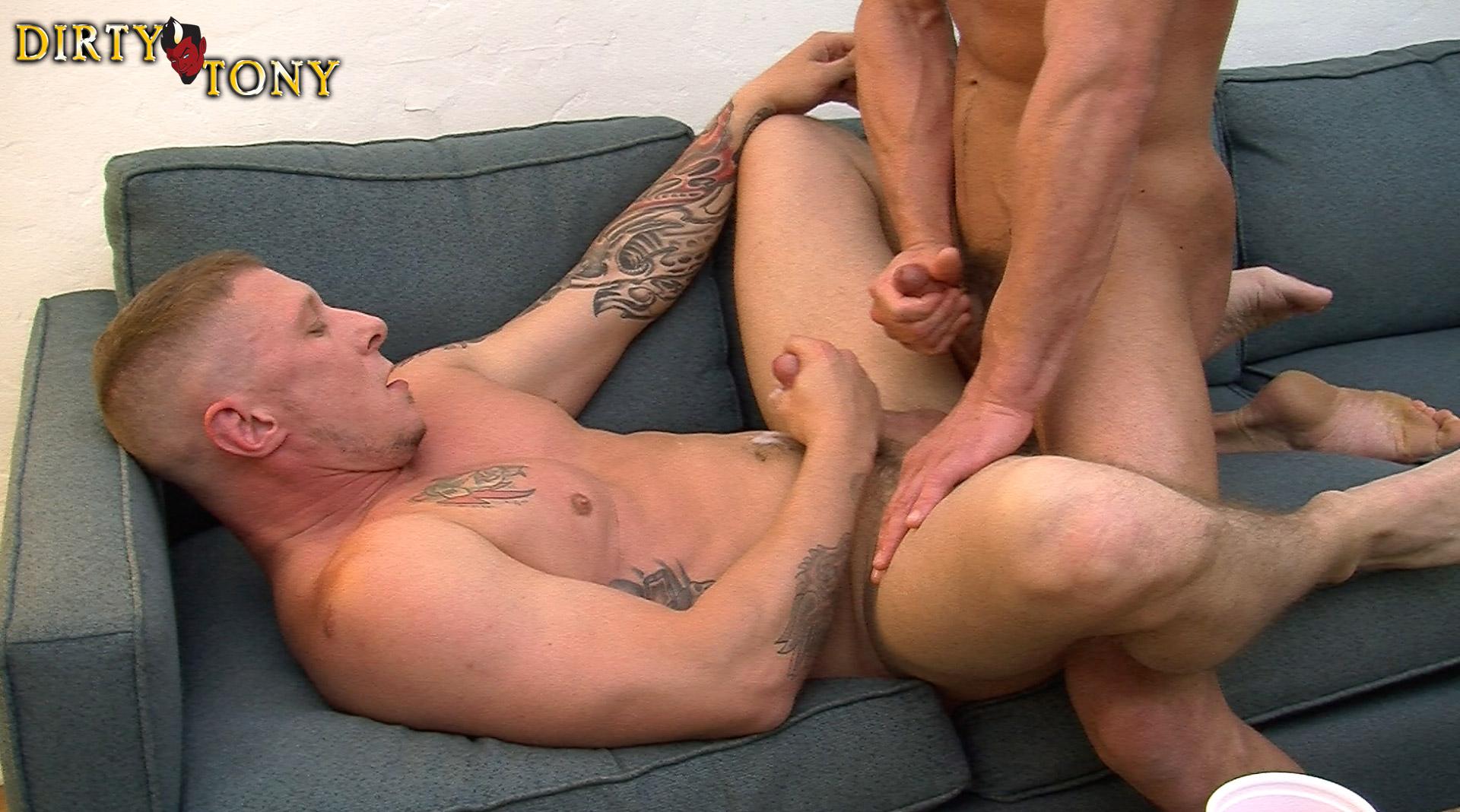 Видео порно геи дрочка